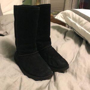 Black knock off UGG boots